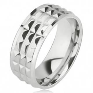 Lesklý oceľový prsteň - obrúčka striebornej farby, ozdobné diamantové plôšky - Veľkosť: 57 mm