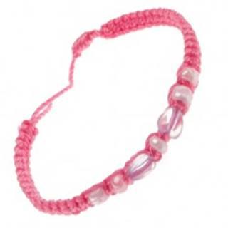 Náramok zo zapletaných ružových šnúrok, srdiečkové korálky