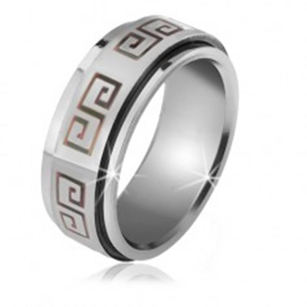 Šperky eshop Lesklý prsteň z ocele - matná točiaca sa obruč, sivý grécky kľúč - Veľkosť: 56 mm