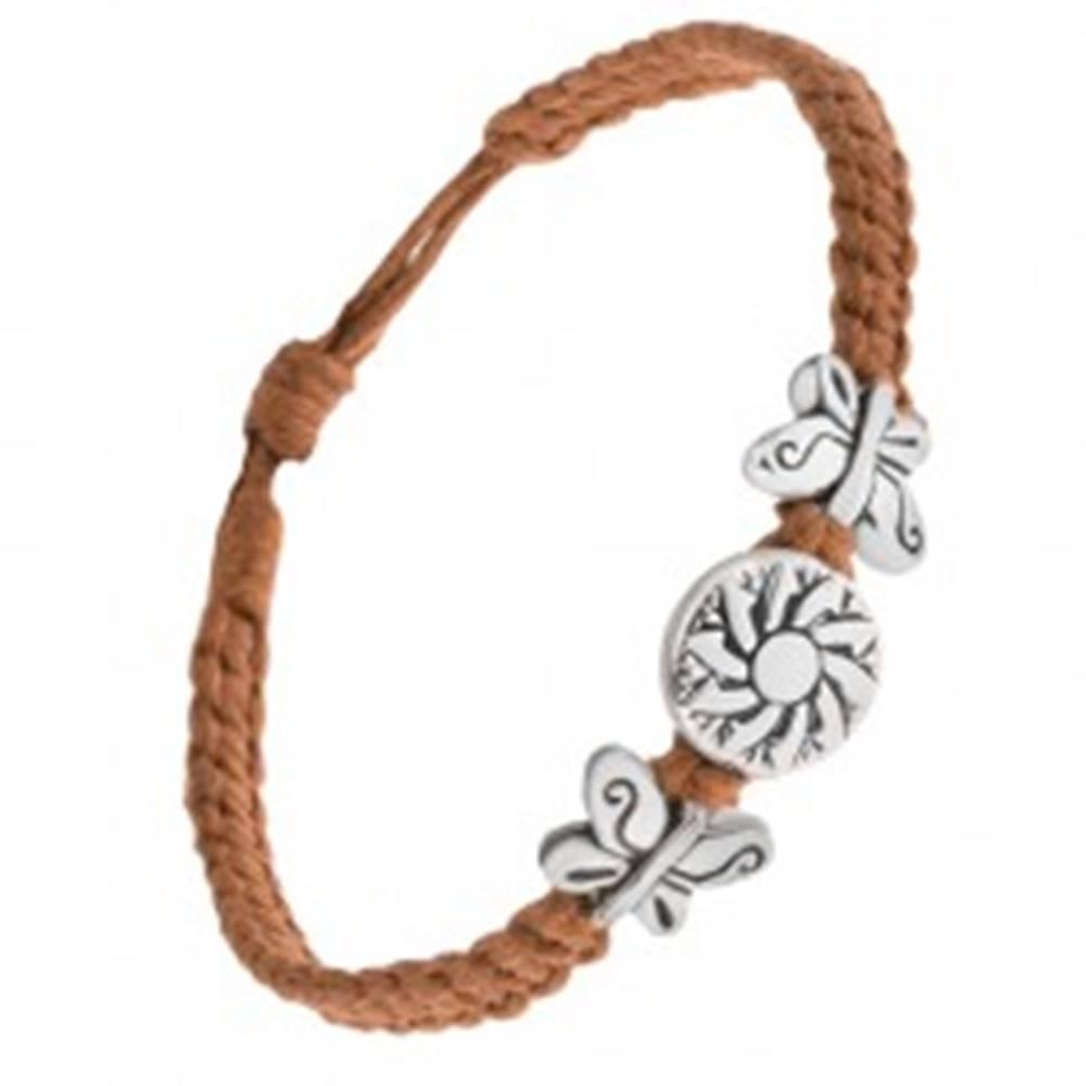 Šperky eshop Náramok z hnedých šnúrok, okrúhla kovová známka s kvetom, motýle