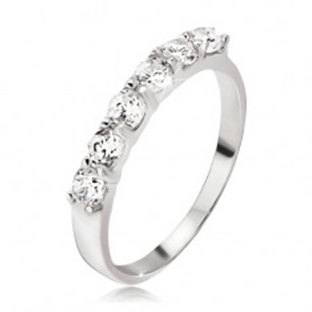 Šperky eshop Prsteň, pás okrúhlych čírych zirkónov v kalíškoch, striebro 925 - Veľkosť: 48 mm