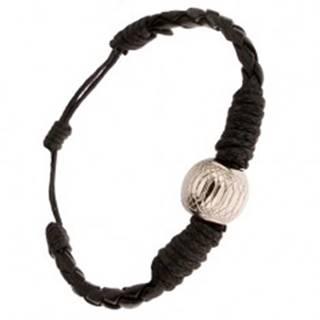 Čierny pletený náramok ovinutý šnúrkou, ozdobná gulička