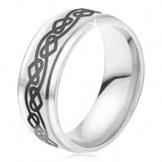 Oceľový prsteň - lesklá obrúčka striebornej farby, zvlnená línia, srdcia - Veľkosť: 54 mm