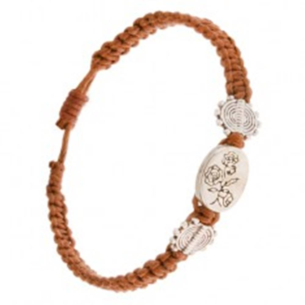 Šperky eshop Škoricovohnedý náramok so šnúrok, oválna známka s kvetmi