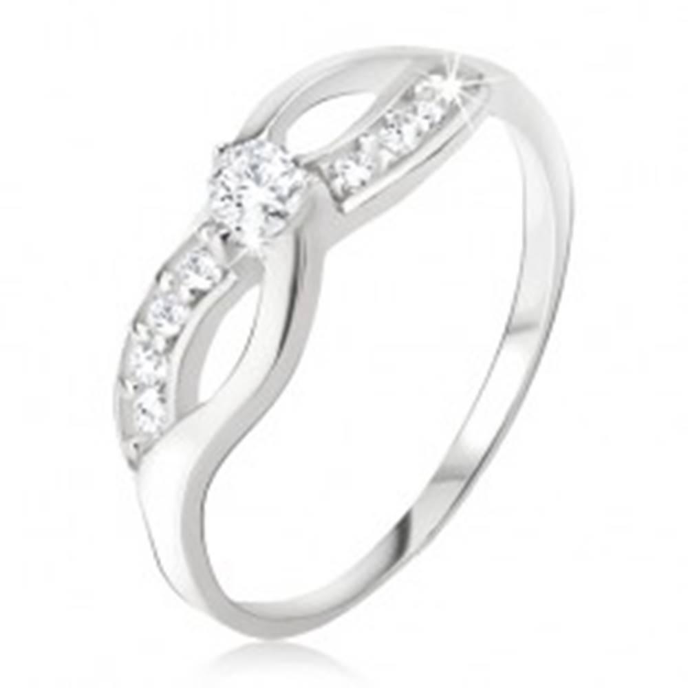 Šperky eshop Strieborný prsteň 925 - symbol nekonečna, zirkónová línia, okrúhly kamienok - Veľkosť: 48 mm