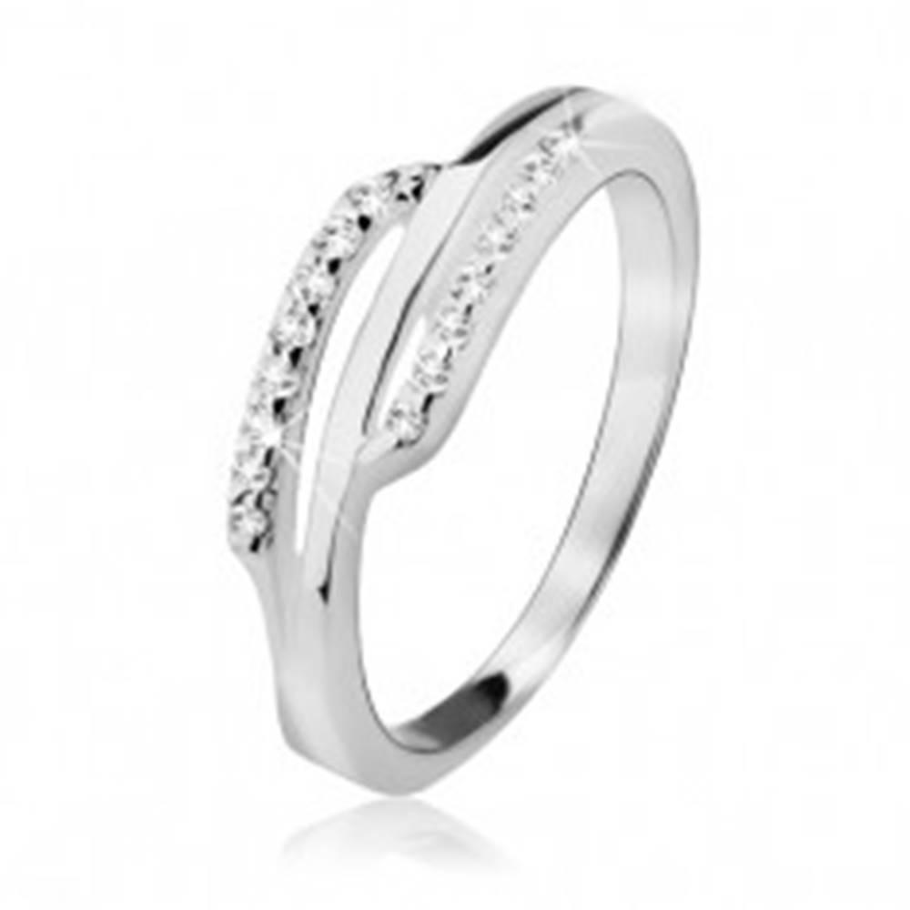 Šperky eshop Strieborný prsteň 925, dva zirkónové prúžky, hladký pás uprostred - Veľkosť: 49 mm