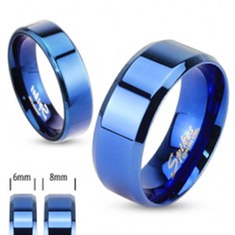Šperky eshop Lesklá hladká obrúčka z chirurgickej ocele, kráľovská modrá, 8 mm - Veľkosť: 59 mm
