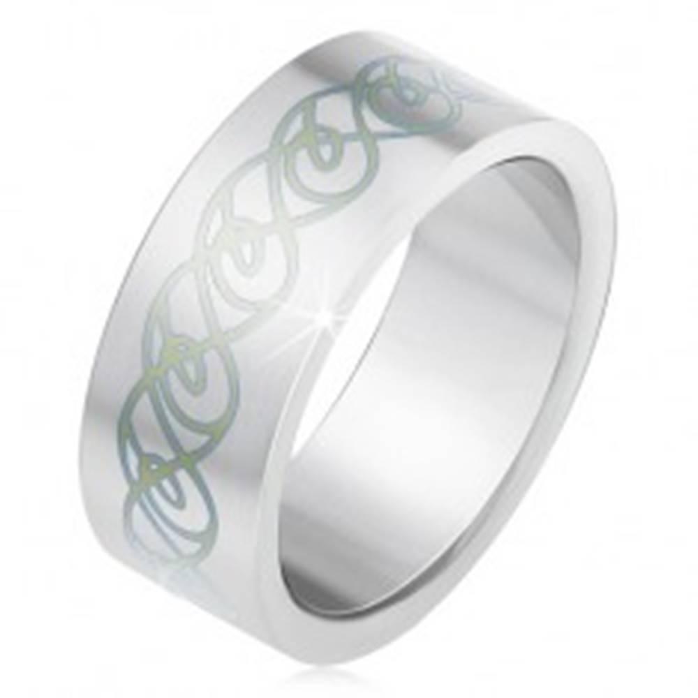 Šperky eshop Oceľový prsteň, matný rovný povrch, ornament zo zatočených línií - Veľkosť: 55 mm