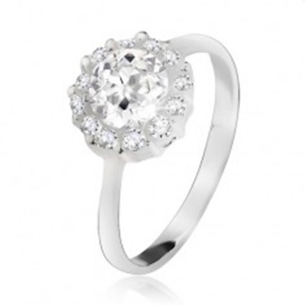 Šperky eshop Prsteň zo striebra 925, okrúhly číry kamienok so zirkónovým lemom - Veľkosť: 49 mm