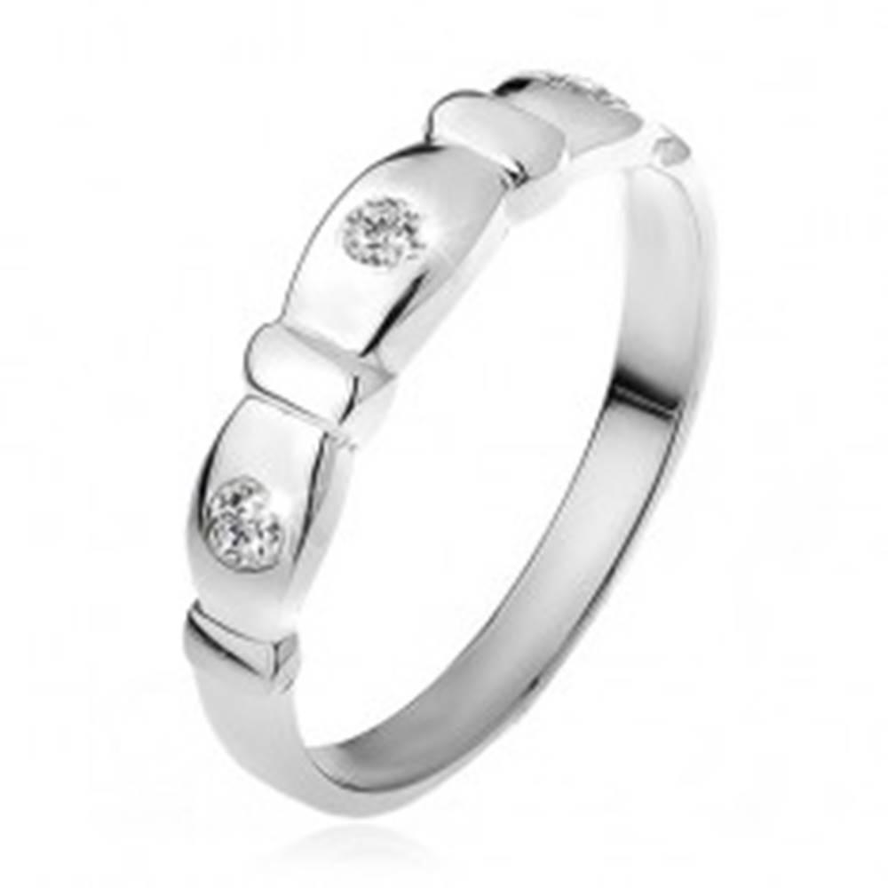 Šperky eshop Prsteň zo striebra 925, zrezané ovály, číre kamienky, pásiky - Veľkosť: 48 mm