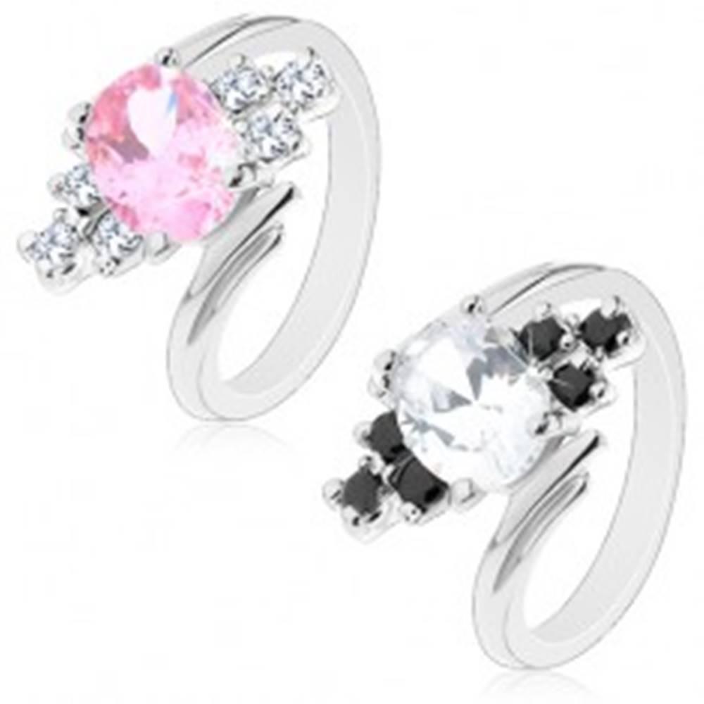 Šperky eshop Ligotavý prsteň so zahnutými ramenami, brúsený ovál, okrúhle zirkóniky - Veľkosť: 52 mm, Farba: Číra - čierna