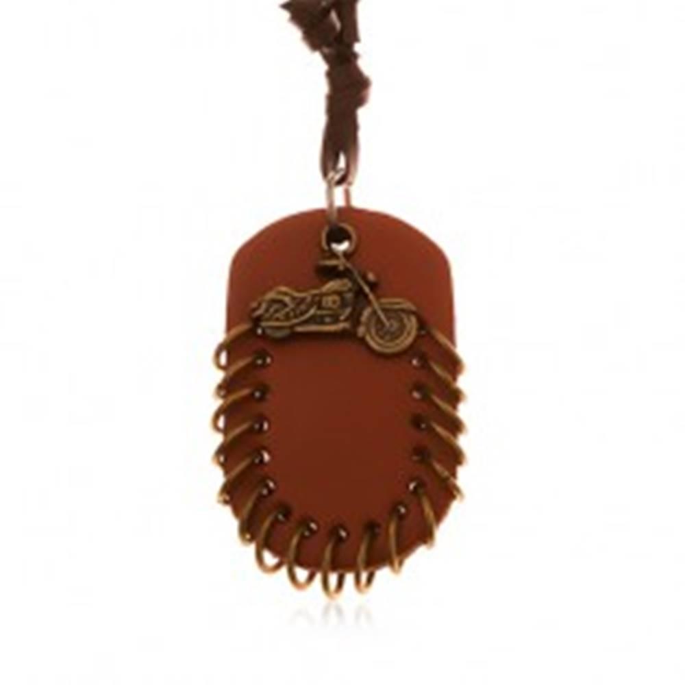 Šperky eshop Náhrdelník z umelej kože, prívesky - hnedý ovál s krúžkami a motorka