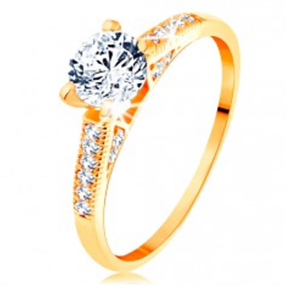 Šperky eshop Zlatý prsteň 585 - trblietavé ramená, vyvýšený okrúhly zirkón čírej farby - Veľkosť: 50 mm
