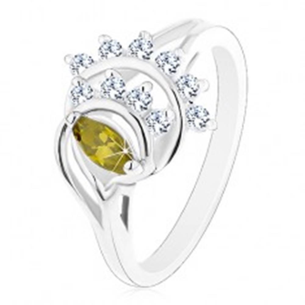 Šperky eshop Lesklý prsteň, oblúky lemované líniami čírych zirkónikov, zelené zrnko - Veľkosť: 49 mm