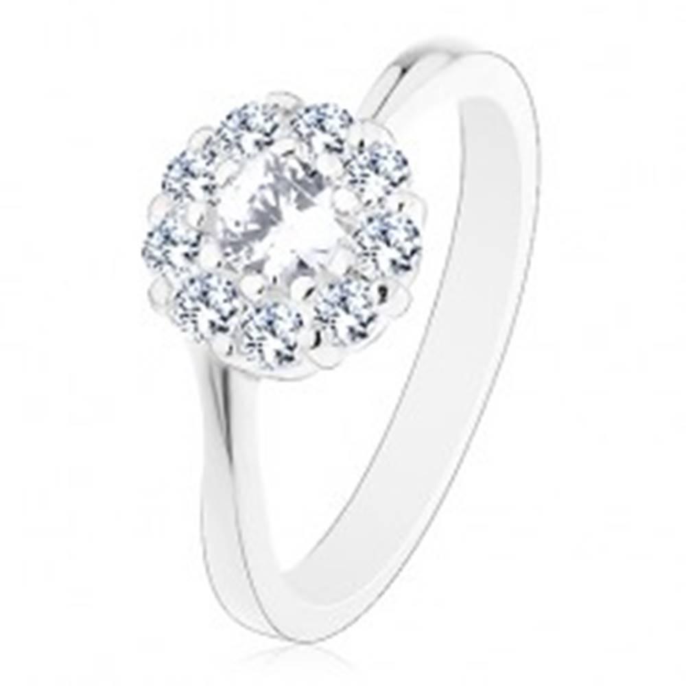 Šperky eshop Lesklý prsteň v striebornom odtieni, žiarivý číry zirkónový kvietok - Veľkosť: 49 mm