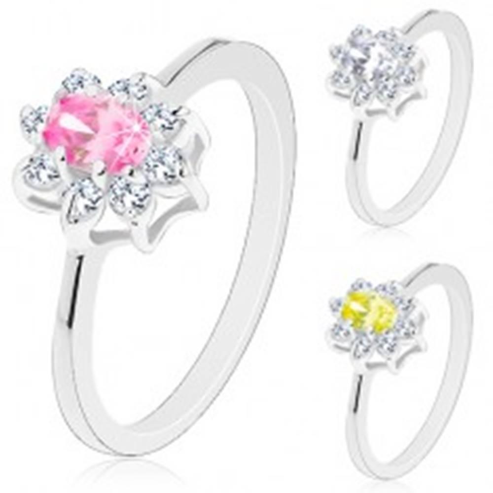 Šperky eshop Prsteň s lesklými zúženými ramenami, žiarivý kvietok s oválnym stredom - Veľkosť: 51 mm, Farba: Ružová