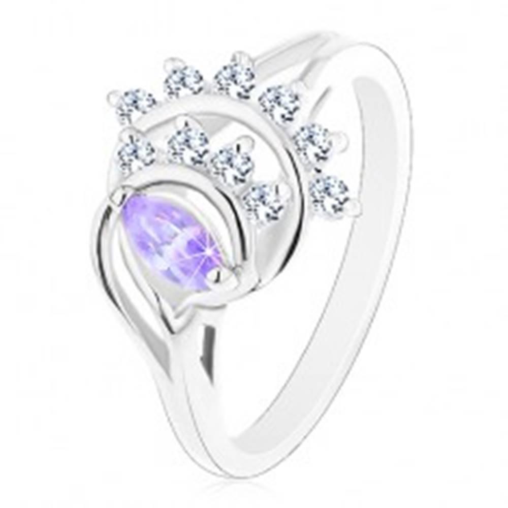 Šperky eshop Prsteň s rozdelenými ramenami, svetlofialové zrnko, oblúky z čírych zirkónov - Veľkosť: 51 mm