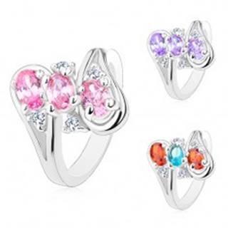 Lesklý prsteň, ramená ukončené slučkami, tri oválne farebné zirkóny - Veľkosť: 52 mm, Farba: Mix