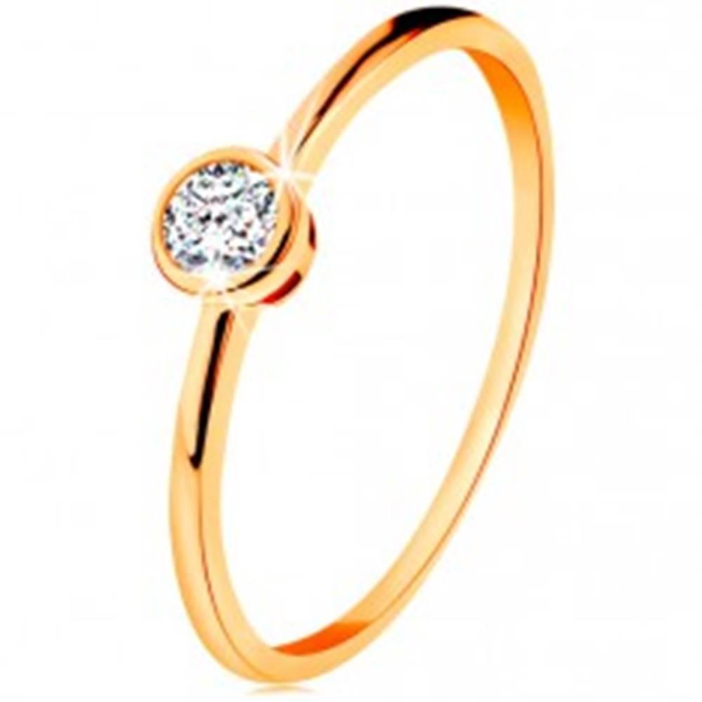 Šperky eshop Prsteň zo žltého 14K zlata - ligotavý okrúhly zirkón v lesklej objímke - Veľkosť: 49 mm
