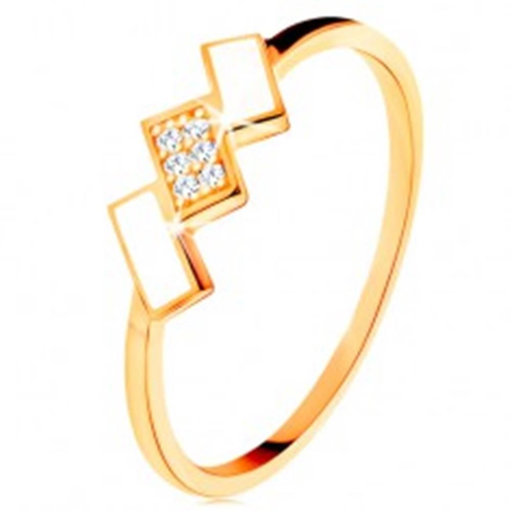 Šperky eshop Zlatý prsteň 585 - šikmé obdĺžniky pokryté bielou glazúrou a zirkónmi - Veľkosť: 49 mm