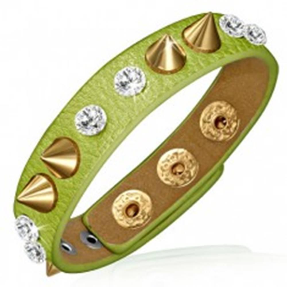 Šperky eshop Náramok z kože - zelený prúžok s čírymi kameňmi a špicami zlatej farby