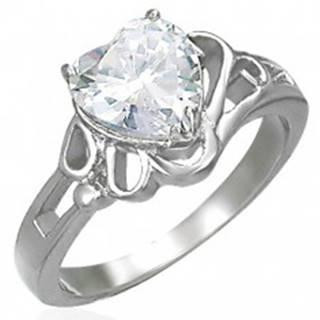 Dámsky lesklý oceľový prsteň, veľké číre zirkónové srdce - Veľkosť: 49 mm