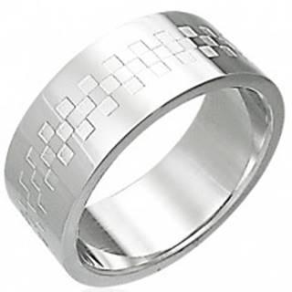 Oceľový prsteň lesklý so vzorom v tvare šachovince - Veľkosť: 54 mm