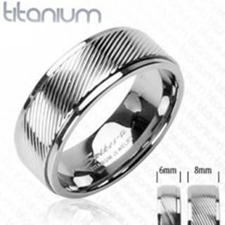 Titánový prsteň s diagonálnymi pruhmi - Veľkosť: 49 mm