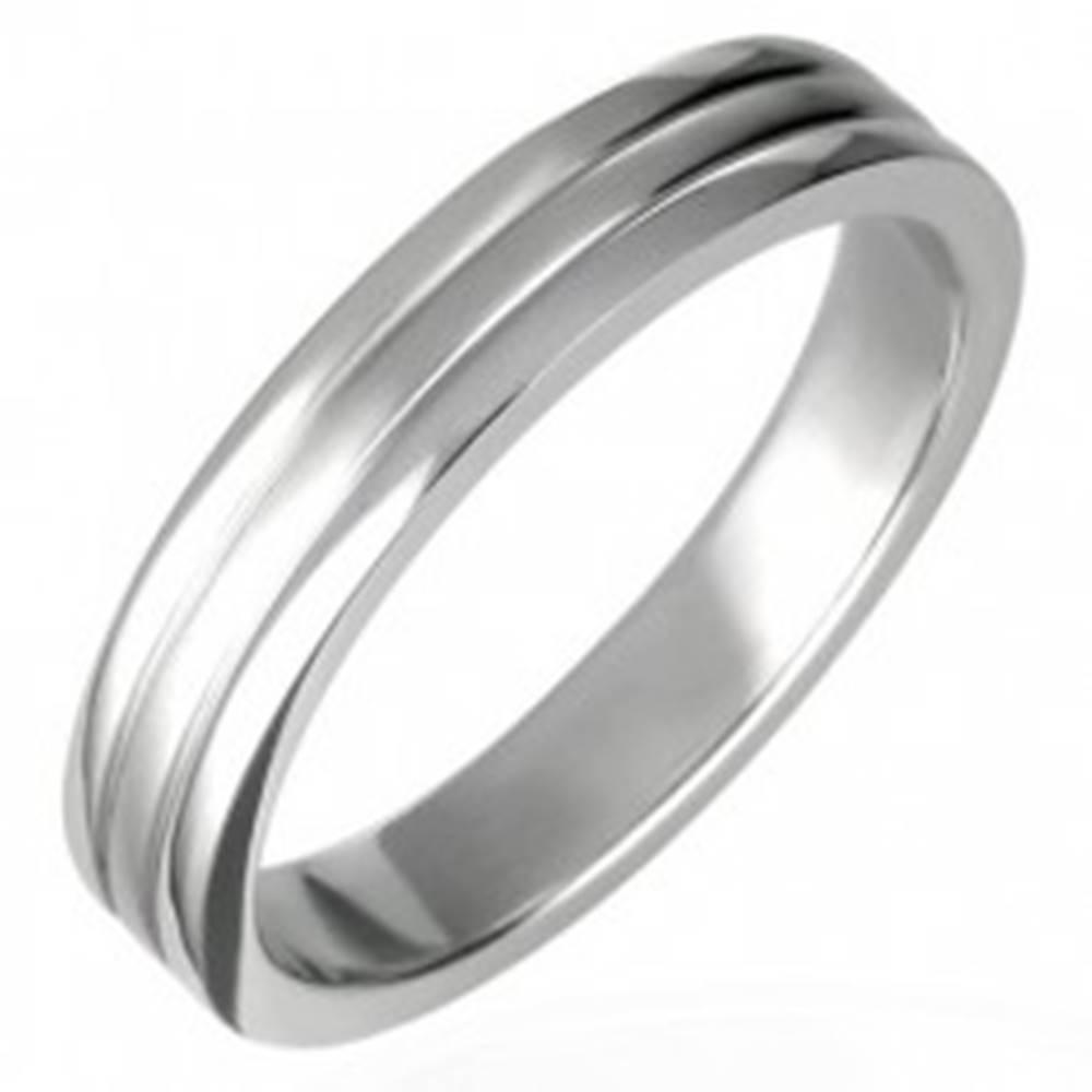 Šperky eshop Oceľový prsteň lesklý s dvoma ryhami 6 mm - Veľkosť: 56 mm