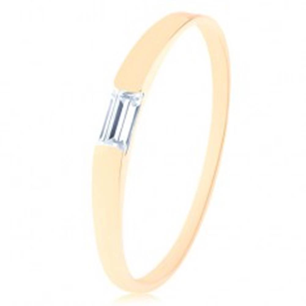 Šperky eshop Prsteň v žltom 14K zlate - číry zirkónový obdĺžnik, úzke hladké ramená - Veľkosť: 50 mm