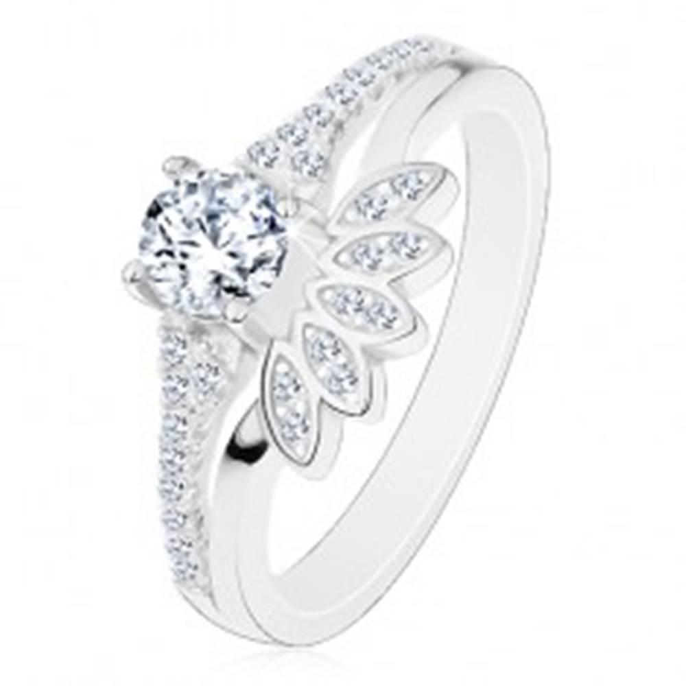 Šperky eshop Prsteň zo striebra 925, číry okrúhly zirkón so žiarivým vejárom - Veľkosť: 49 mm