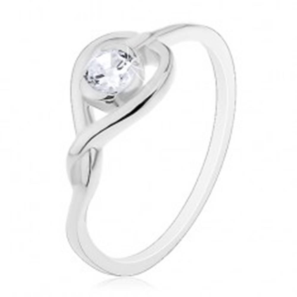 Šperky eshop Prsteň zo striebra 925 - prekrížená silueta srdca so zirkónom - Veľkosť: 49 mm