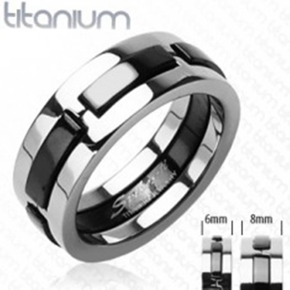 Šperky eshop Titánový prsteň s čiernymi vystúpenými pásmi - Veľkosť: 48 mm