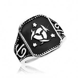 Oceľový prsteň, čierny obdĺžnik s keltským uzlom a tromi hviezdami - Veľkosť: 57 mm