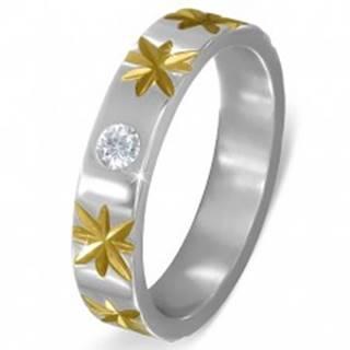 Oceľový prsteň striebornej farby s hviezdami zlatej farby a čírym zirkónom - Veľkosť: 51 mm