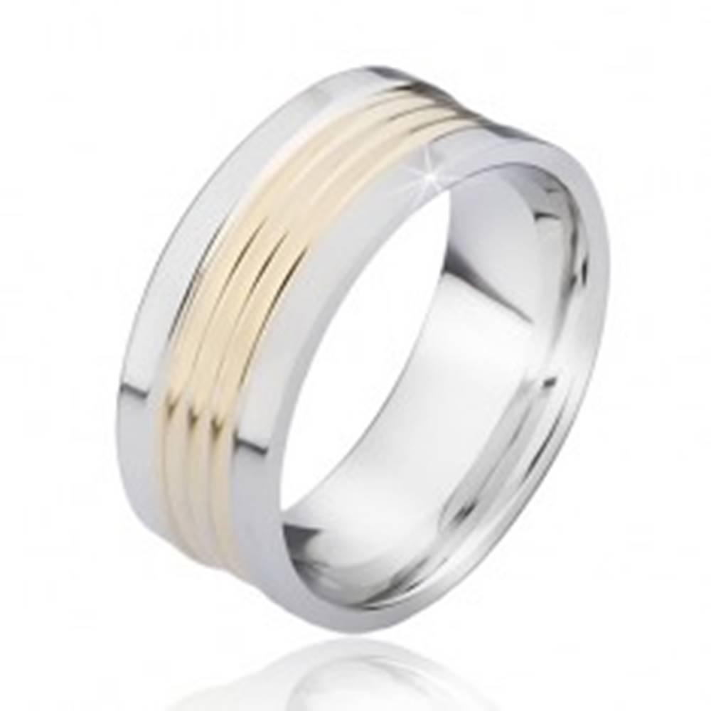 Šperky eshop Dvojfarebný oceľový prsteň so zaoblenými pásmi zlatej farby - Veľkosť: 57 mm