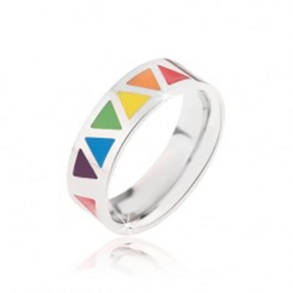 Šperky eshop Lesklý oceľový prsteň s farebnými trojuholníkmi - Veľkosť: 52 mm