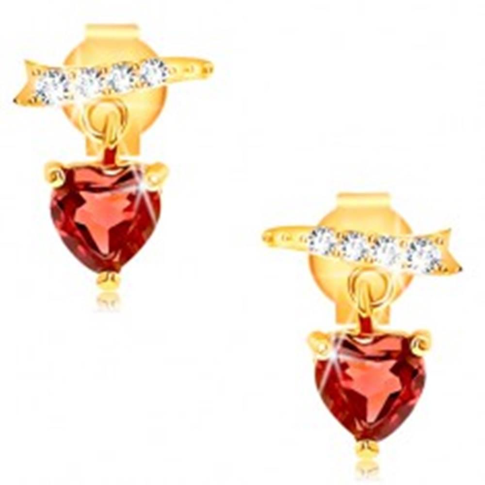 Šperky eshop Náušnice v žltom 9K zlate - zirkónová stužka, červené granátové srdce