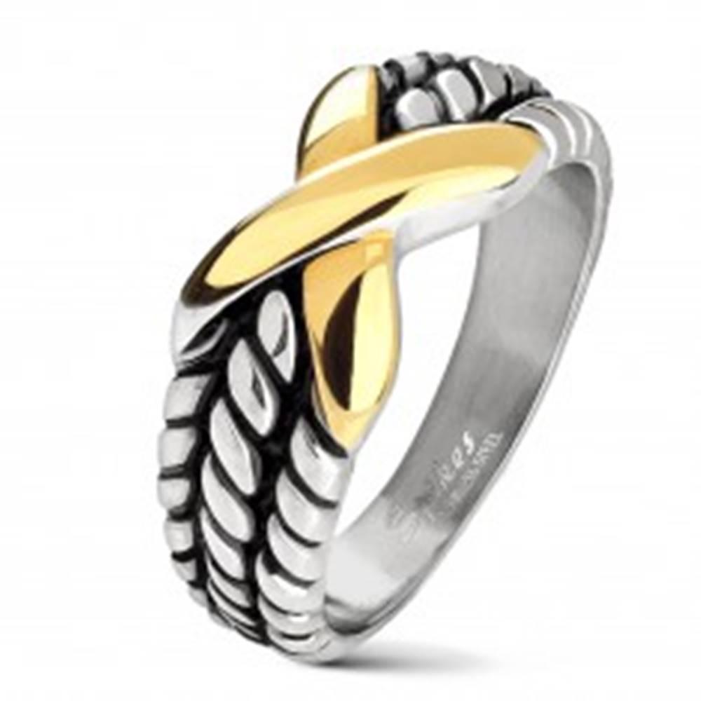 Šperky eshop Oceľová obrúčka striebornej farby, zárezy na ramenách, X zlatej farby - Veľkosť: 50 mm