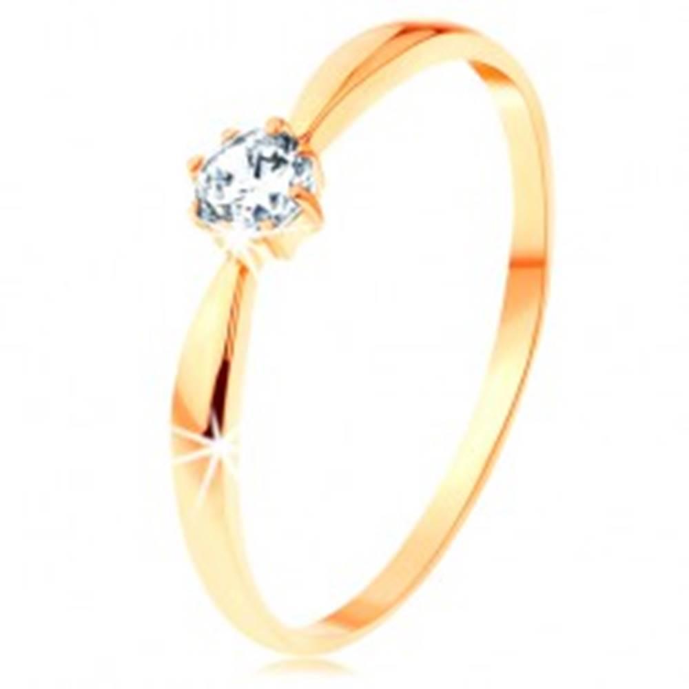 Šperky eshop Prsteň v žltom 14K zlate - ligotavý číry zirkón, zaoblené ramená - Veľkosť: 50 mm