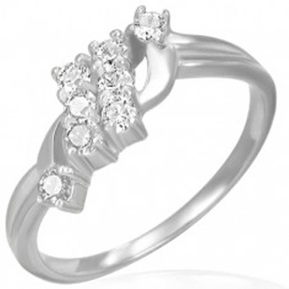 Šperky eshop Snubný prsteň - dva šikmé zirkónové pruhy  - Veľkosť: 49 mm