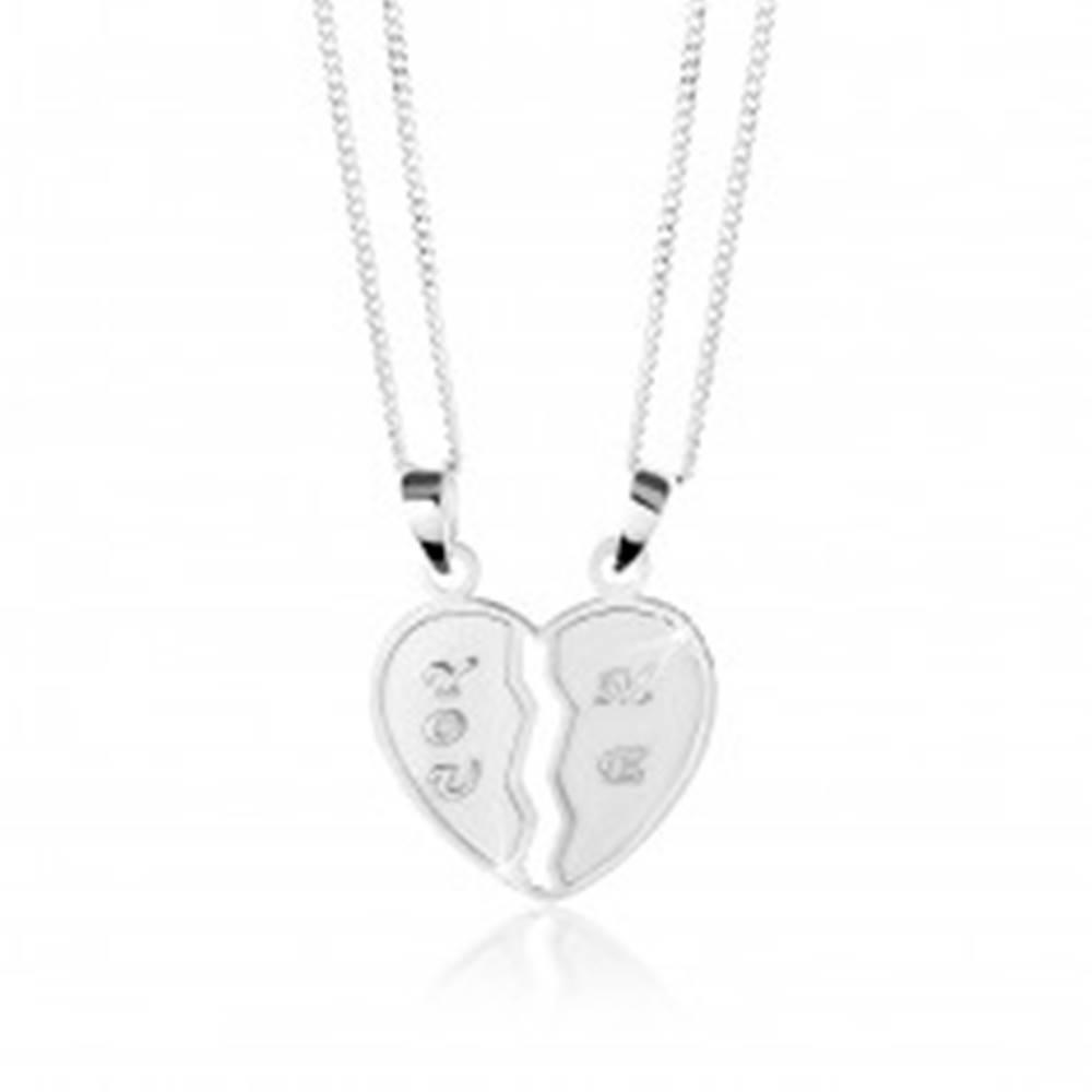 """Šperky eshop Strieborný 925 náhrdelník, dvojprívesok - prelomené srdce, nápisy """"YOU"""" a """"ME"""""""