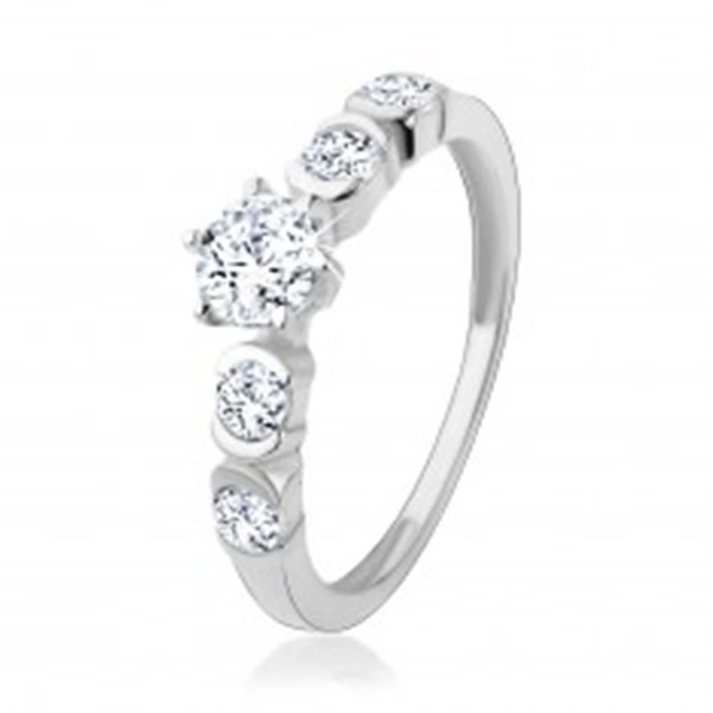 Šperky eshop Strieborný 925 prsteň, okrúhle zirkóny čírej farby s lesklými oblúčikmi - Veľkosť: 49 mm
