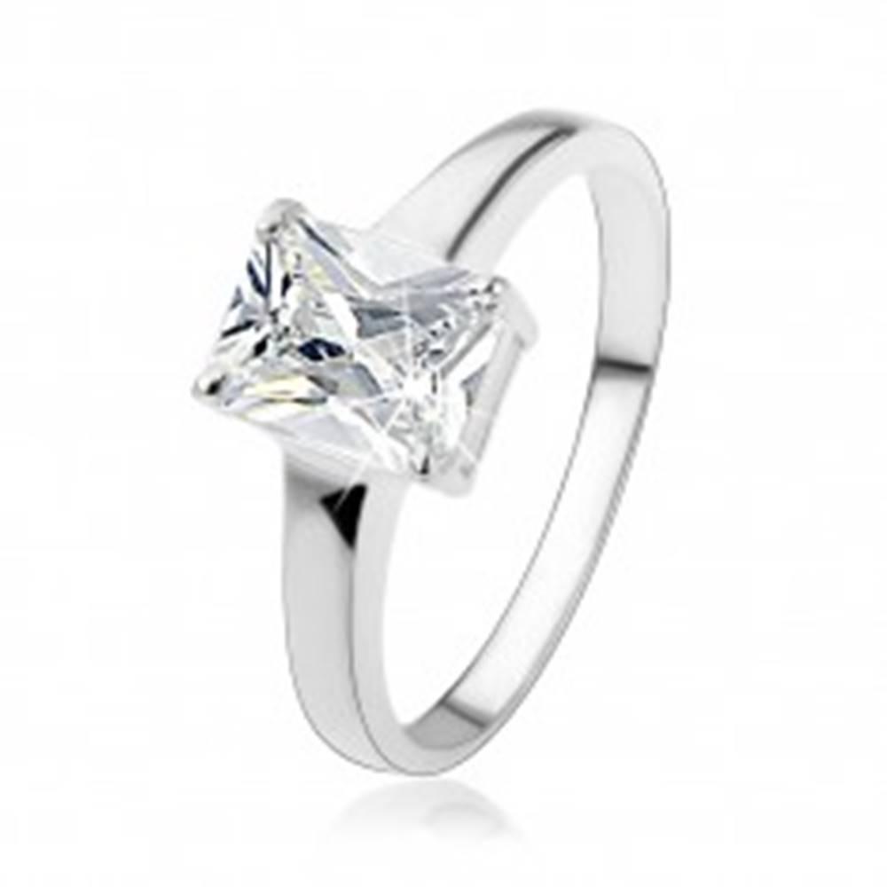 Šperky eshop Strieborný prsteň 925 s obdĺžnikovým brúseným zirkónom čírej farby - Veľkosť: 48 mm