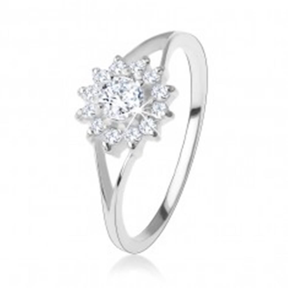 Šperky eshop Zásnubný prsteň zo striebra 925, číry zirkónový kvietok, rozdvojené ramená - Veľkosť: 48 mm