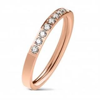 Oceľový prsteň medenej farby, línia čírych zirkónov, lesklý povrch, 2,5 mm - Veľkosť: 49 mm