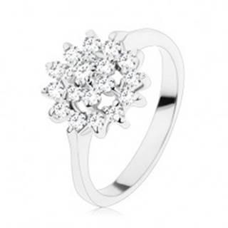 Trblietavý prsteň so zúženými ramenami, zirkóny v čírej farbe, kvet v kruhu - Veľkosť: 56 mm