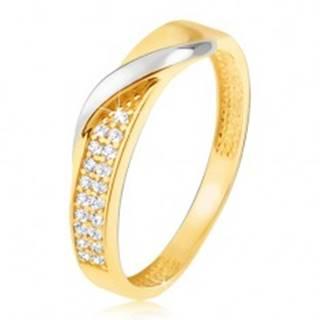 Zlatý prsteň 585 - pás drobných čírych zirkónov, zvlnená línia v bielom zlate - Veľkosť: 48 mm