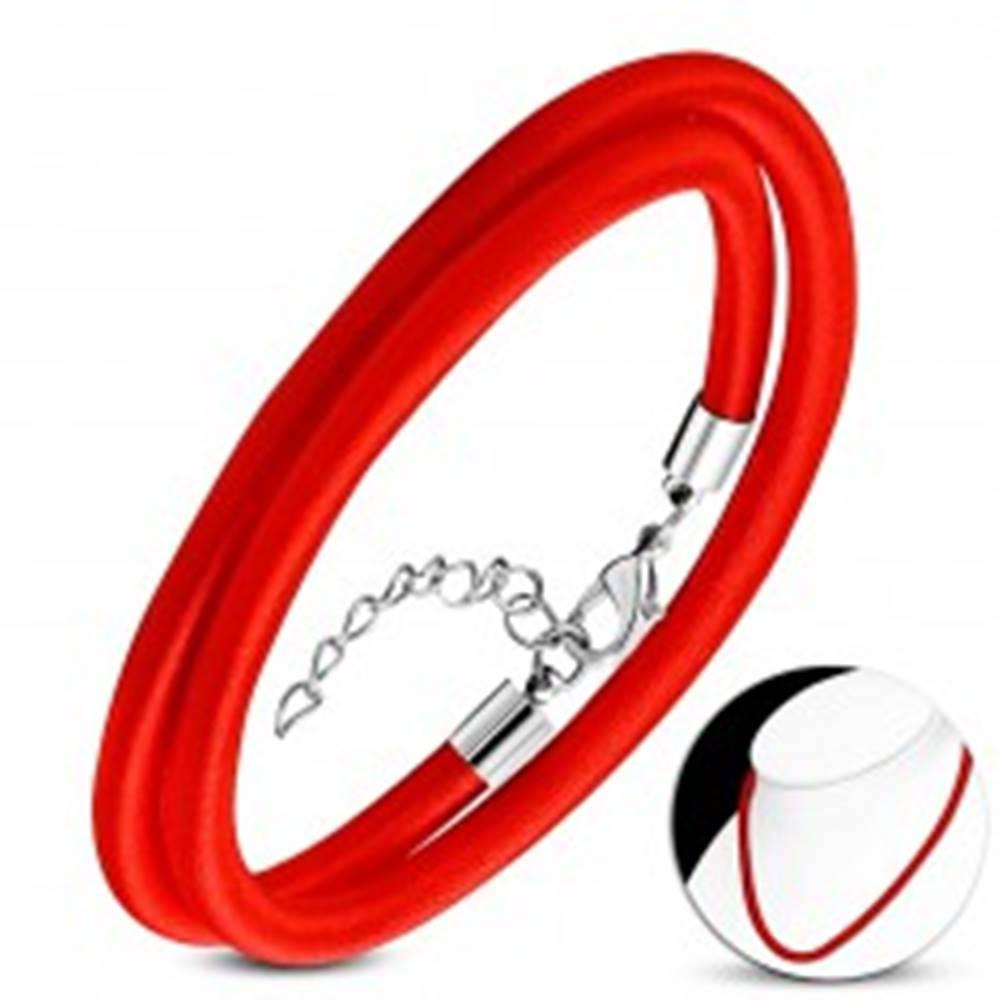 Šperky eshop Červený náhrdelník obtočený lesklou niťou, nastaviteľná dĺžka, karabínka