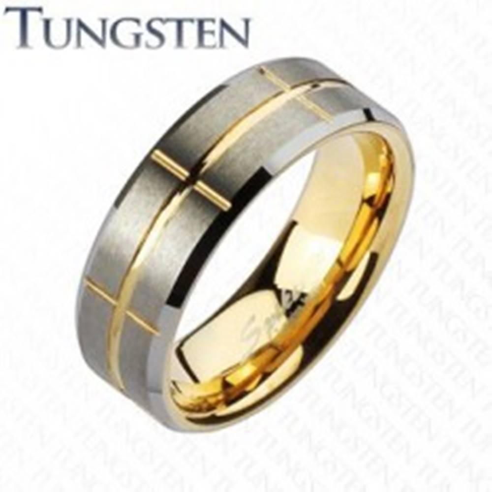 Šperky eshop Dvojfarebná obrúčka z tungstenu, zlatý a strieborný odtieň, zárezy, 8 mm - Veľkosť: 49 mm